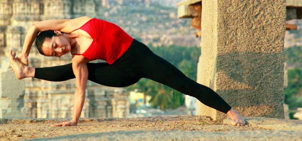 Bhakti-Yoga-What-Is-It-And-What-Are-Its-Benefits