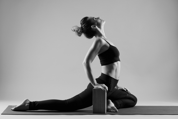 and_stretch_yoga_BW-011
